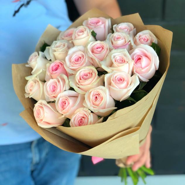 Букет розовых роз 21 шт